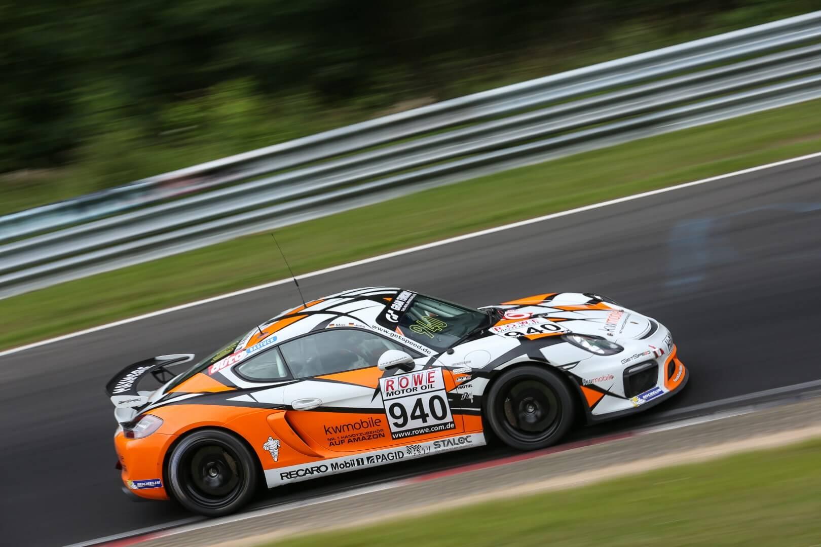 VLN 3. Lauf 2018 - Foto: Gruppe C Photography; #940 Porsche Cayman GT4 CS, GIGASPEED Team GetSpeed Performance: Max, Jens