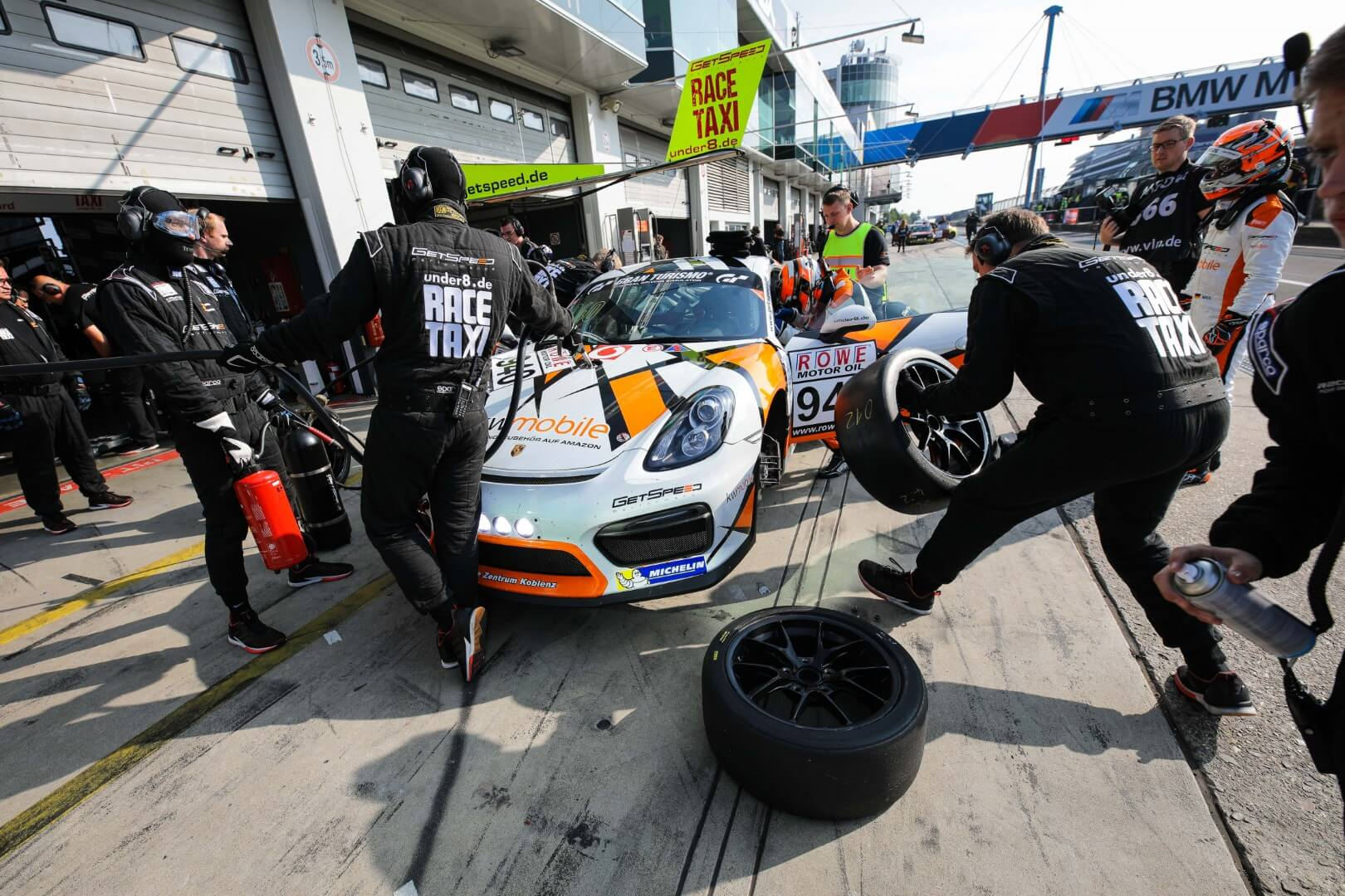 VLN 4. Lauf 2018, Nürburgring-Nordschleife - Foto: Gruppe C Photography; #940 Porsche Cayman GT4, GIGASPEED Team GetSpeed Performance: 'Max', 'Jens'