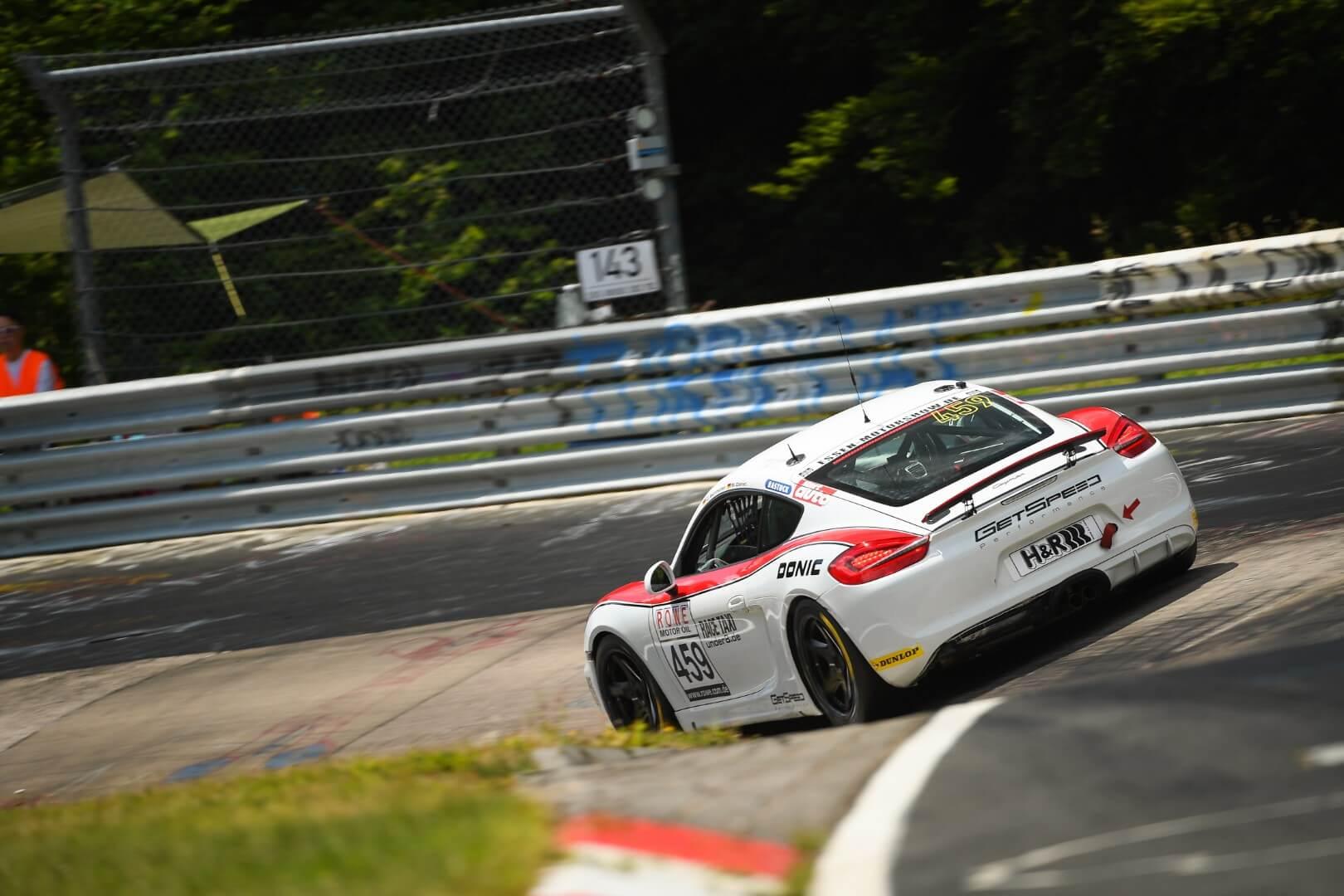 VLN 4. Lauf 2018, Nürburgring-Nordschleife - Foto: Gruppe C Photography; #459 Porsche Cayman, GIGASPEED Team GetSpeed Performance: Carrie Schreiner, Marvin Dienst